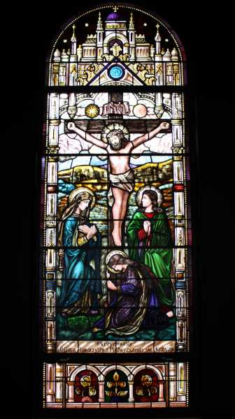 Church-Stained-Window-Crucifixion-Scene