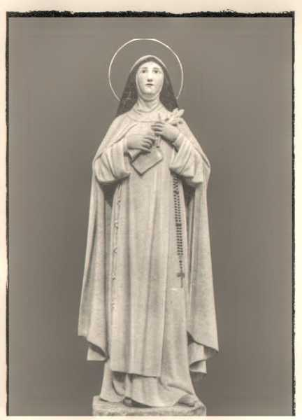 Saint-Beatrice-of-Silva-Statue