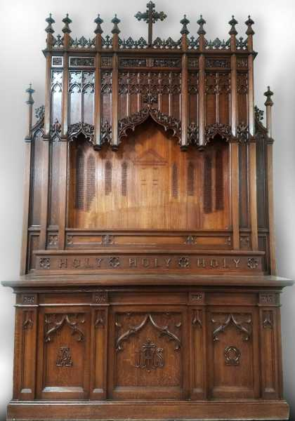 Beautiful-Carved-Wood-Gothic-Altar